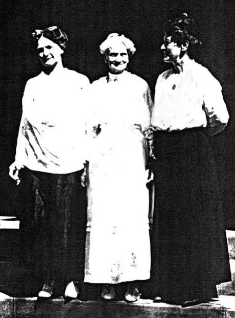 L-R ; Mildred, Zerelda and Florence