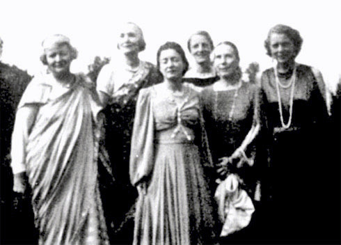 Nasik 1933 - Left to right:  Elizabeth Patterson, Norina Matchabelli, Delia De Leon, Rano Gayley, Kitty Davy, Jean Adriel