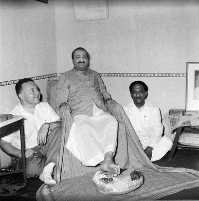 Late May 1960, Poona, India : Lud with Baba & Ramakrishnan. Photographed by Meelan - Courtesy of MN Collection