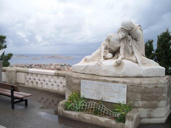 Marseille, Pieta beneath Notre Dame de la Garde. Courtesy of Yolanda Koumidou-Vlesmas, 2009