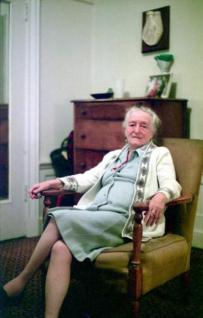 1975 : Margaret in her New York City apartment - photo taken by David Fenster