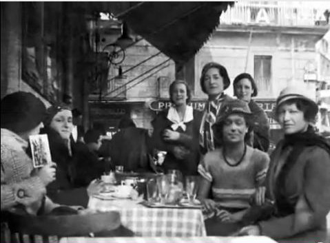Italy 1933 ; Elizabeth is on the far right.