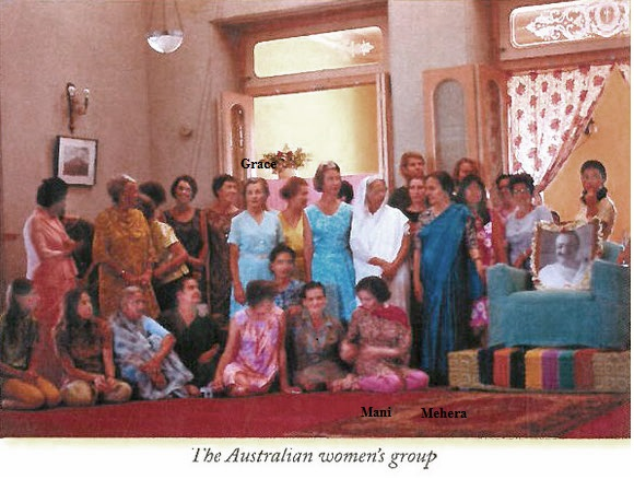1969 ; Last Darshan for the Australian group at Guruprasad, Poona, India. Grace is standing.