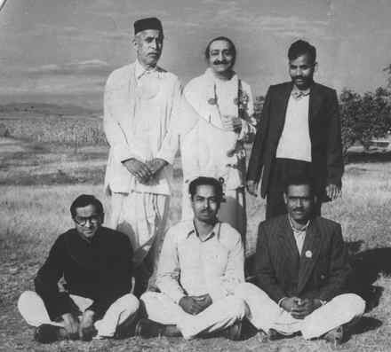 Baba and Jabalpur Group - Murli is seated on the left