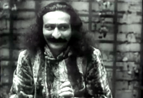 1932 : Meher Baba at Harmon-on-Hudson. Imahe taken from the following newsreel.