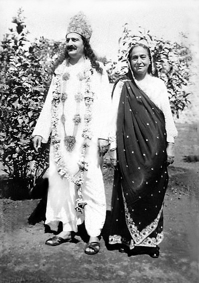 India, Meher Baba & his mother Shireen ; Courtesy of MN Collection