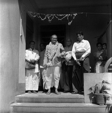 Courtesy of MN Collection : Baba at Bindra House, Poona, India