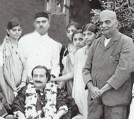 Cropped image from Lord Meher & edited. Short lady in image is not known.