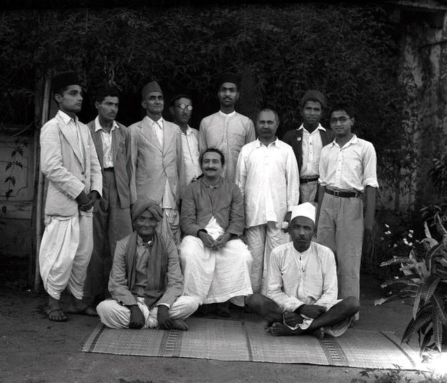 Mysore - Early 1936 : Vishnu is on the far left