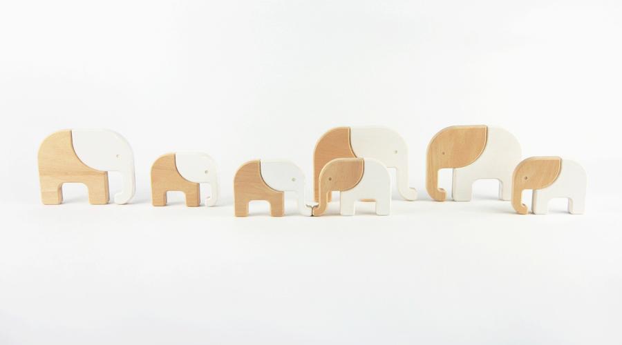 Elefanten als Holzspielzeug für Kinder