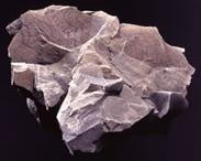 ベントナイトの主成分: 粘土鉱物モンモリロナイトMontmorillonite 放射線の吸着、沈殿が期待できる