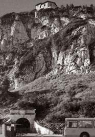 ヒトラーの山荘は放射線岩盤か?