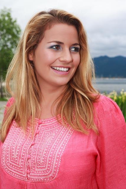 Model: Vera S. , Hairstyling &  Makeup: Ulrike Tiesler