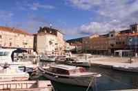 Hafen von Cres in Kroatien