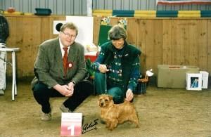 Herr Siewert mit Frau Hinsch und Ihren Gewinner Norfolk Terrier