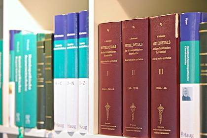 Homöopathisch-medizinische Fachliteratur  in der Praxis für Klassische Homöopathie, Claudia Buchenauer, Heilpraktikerin, Darmstadt