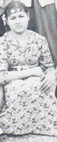 Gümüs Durmaz (Kilinc) Hanim, Babasi Ismail Kilinc Bey, Annesi Ayse Kilinc Hanim,(Kizlik adi Gülnar), Dogum  1941, Türkiye Cumhuriyeti, Salihli