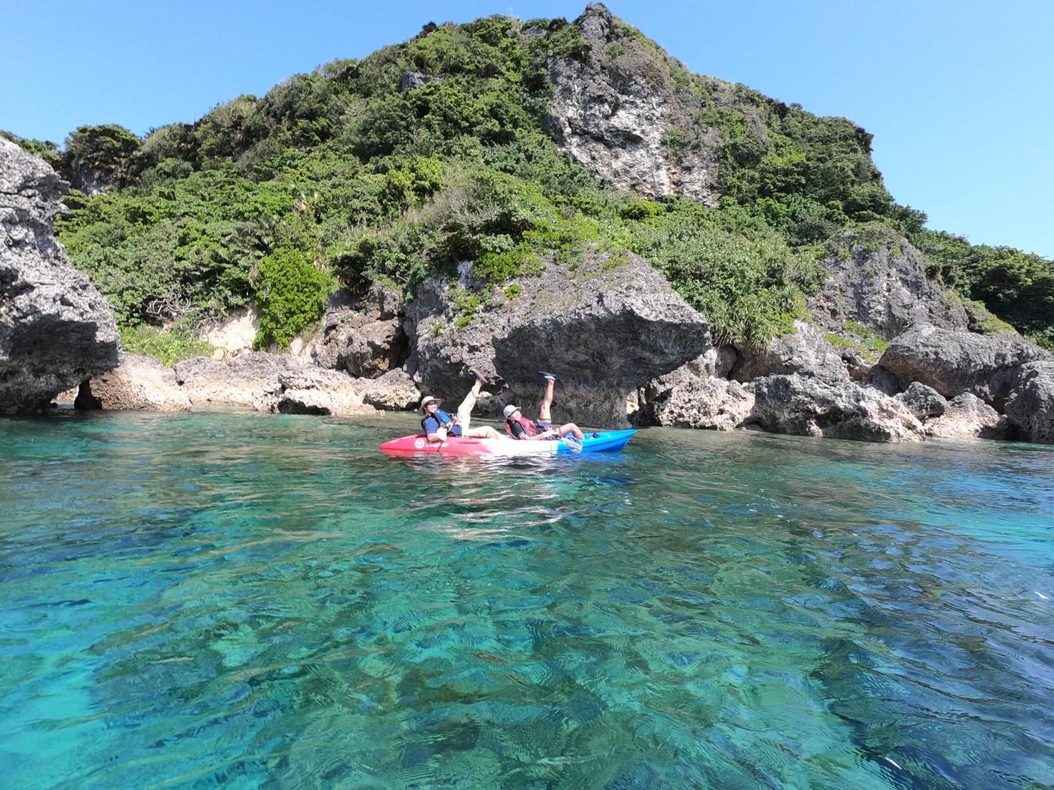伊計島でシーカヤックを楽しまれたお客様(2018.3.)