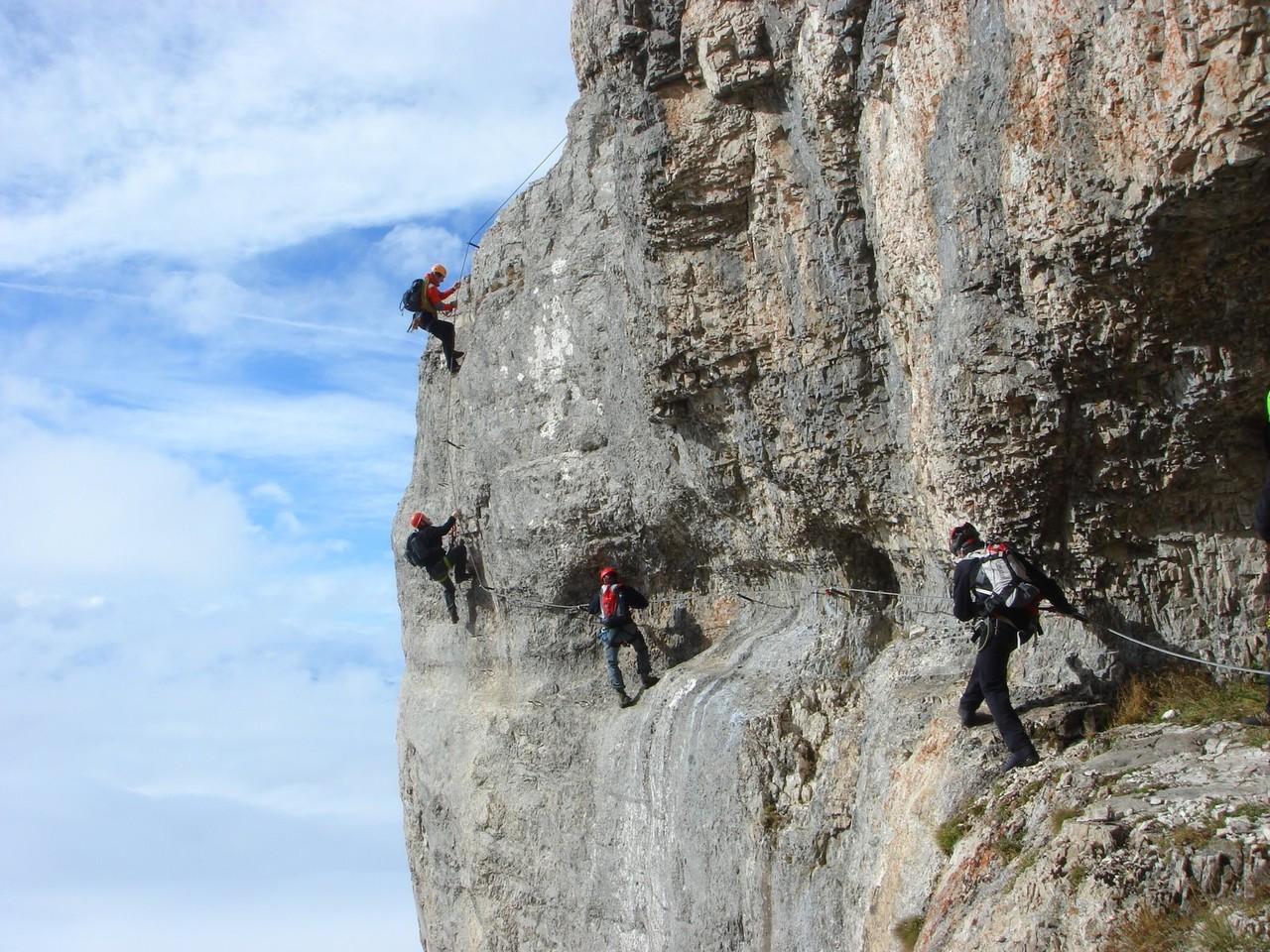 Klettersteig Johann Dachstein : Austria dachstein der johann u long klettersteig along steep