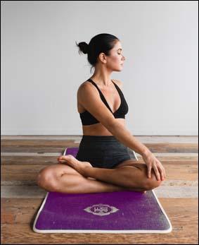 yoga enfants et adultes a l'association harmonie et bien-etre avec la praticienne christine videgrain