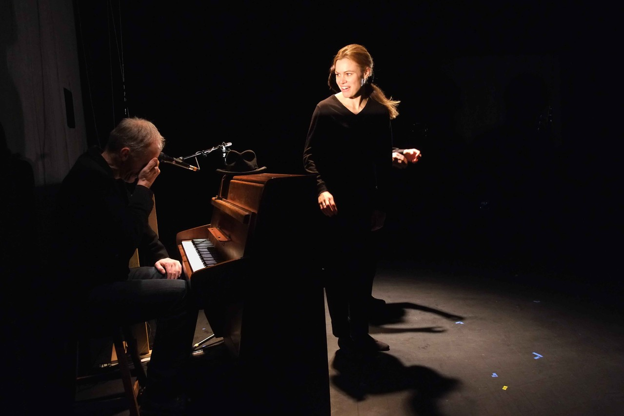 Tiphaine Gentilleau, comédienne. Pierre Notte, auteur, compositeur, metteur en scène, comédien