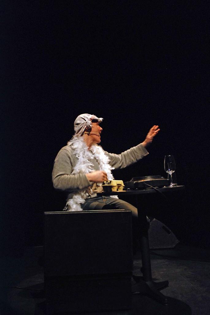 J'existe ( foutez-moi la paix ), Pierre Notte, auteur compositeur metteur en scène et comédien