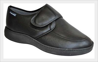 Koster cuir noir, semelle cuvette disponible du 39 au 46. Idéal pour les pieds diabétiques.