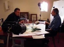 """Autore del libro """"Tunnel Factories"""" durante l'intervista con il regista Mauro Vittorio Quattrina"""