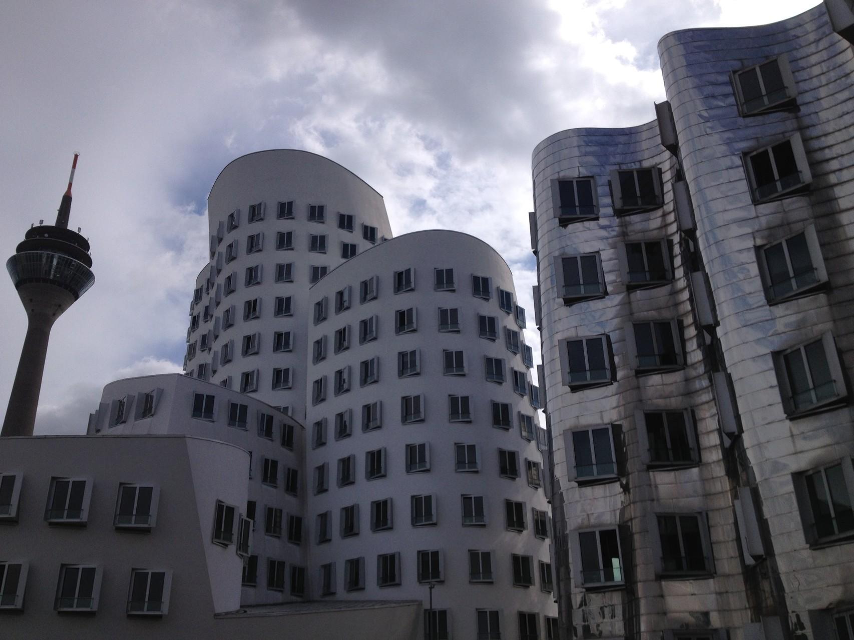 建築好きたちの巡礼スポット「メディエンハーフェン」