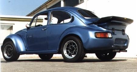 Basismodell: 1303 Bj. 73, Umbau 1985, Blaumetallic, 46KW/62PS. ATS 7x15 mit 205/60er Reifen vorn und hinten.