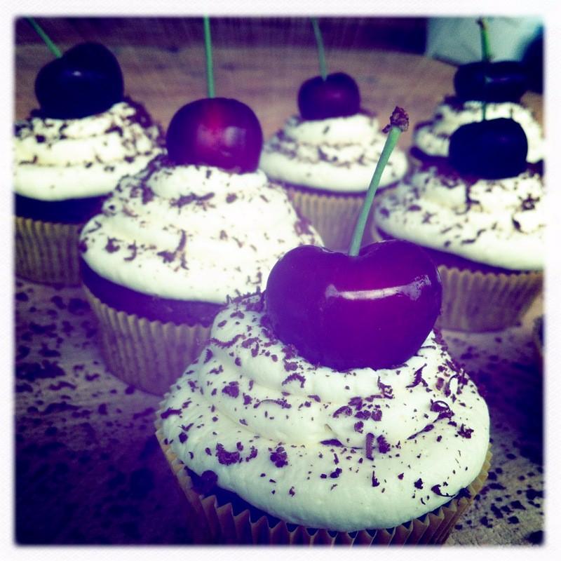 Ein Sommerkirschtraum (Schwarzwälder-Cupcakes)