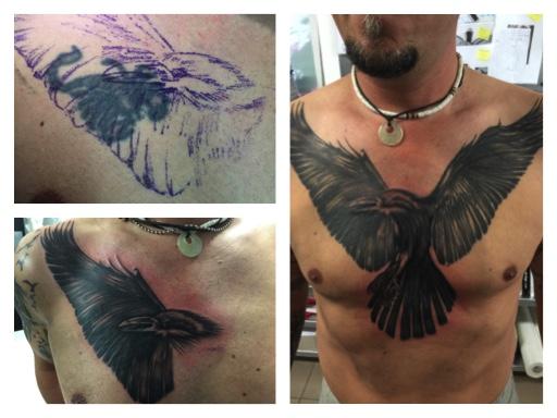 Cover-Up-Tattoo, Adler auf der Brust