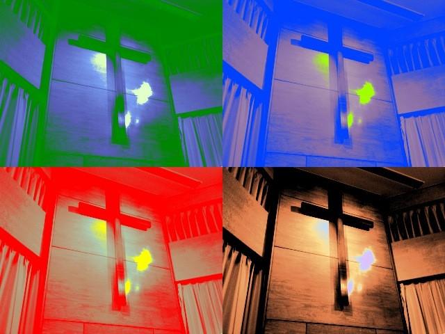 SquareChapelの十字架。
