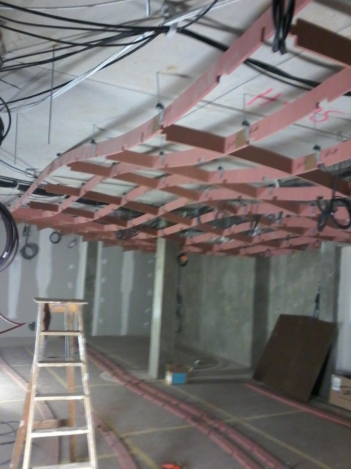 Montage d'un plafond décoratif