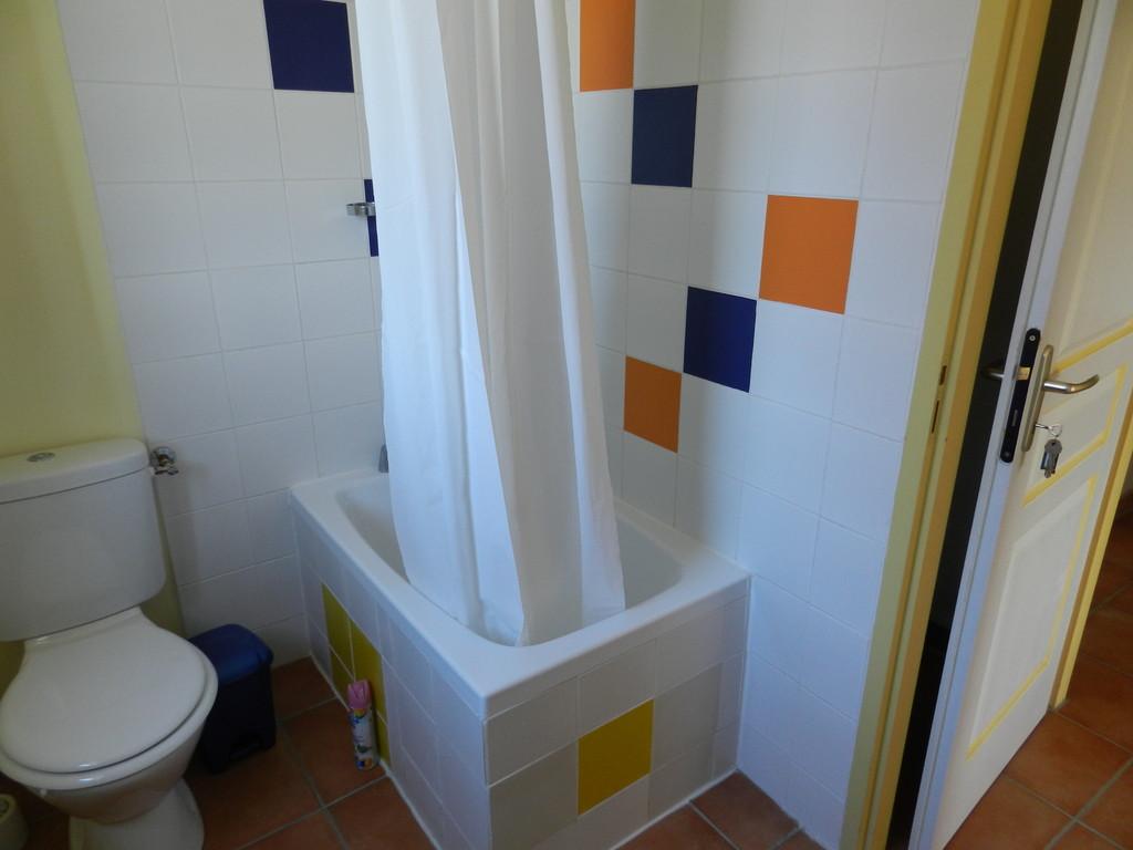 Etage Ch 1 sdb baignoire wc