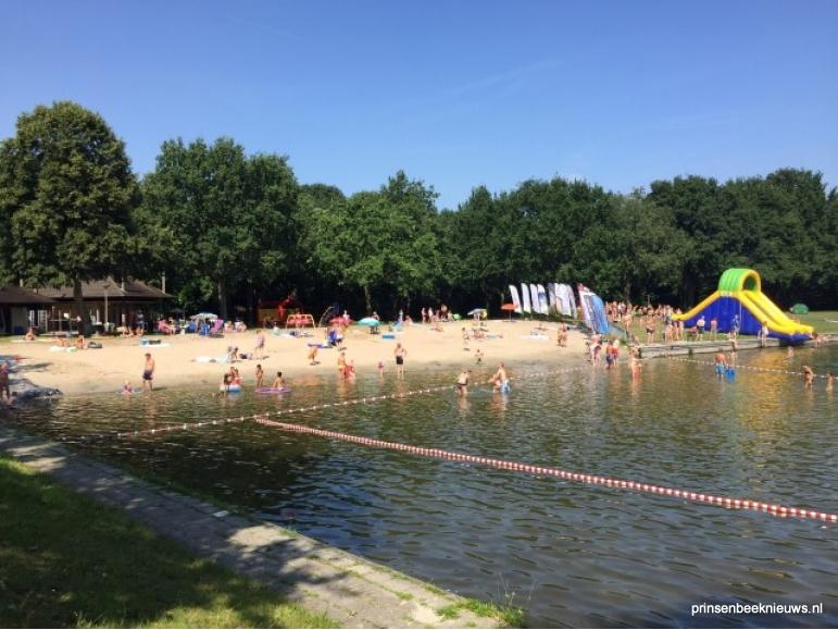 Buiten zwembad De Kuil Prinsenbeek