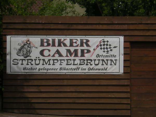 Kurze Rast im Biker Camp
