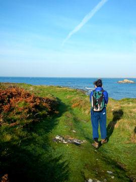 Pemier tour de l'île à pied