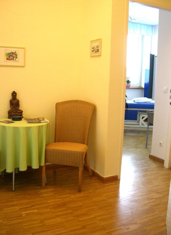Wartebereich der Massagepraxis Reinhard Nölle