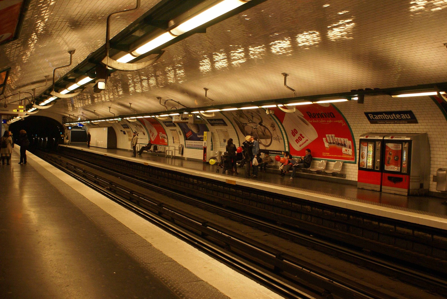 "Paris - ""Underground""- Metro-Station"