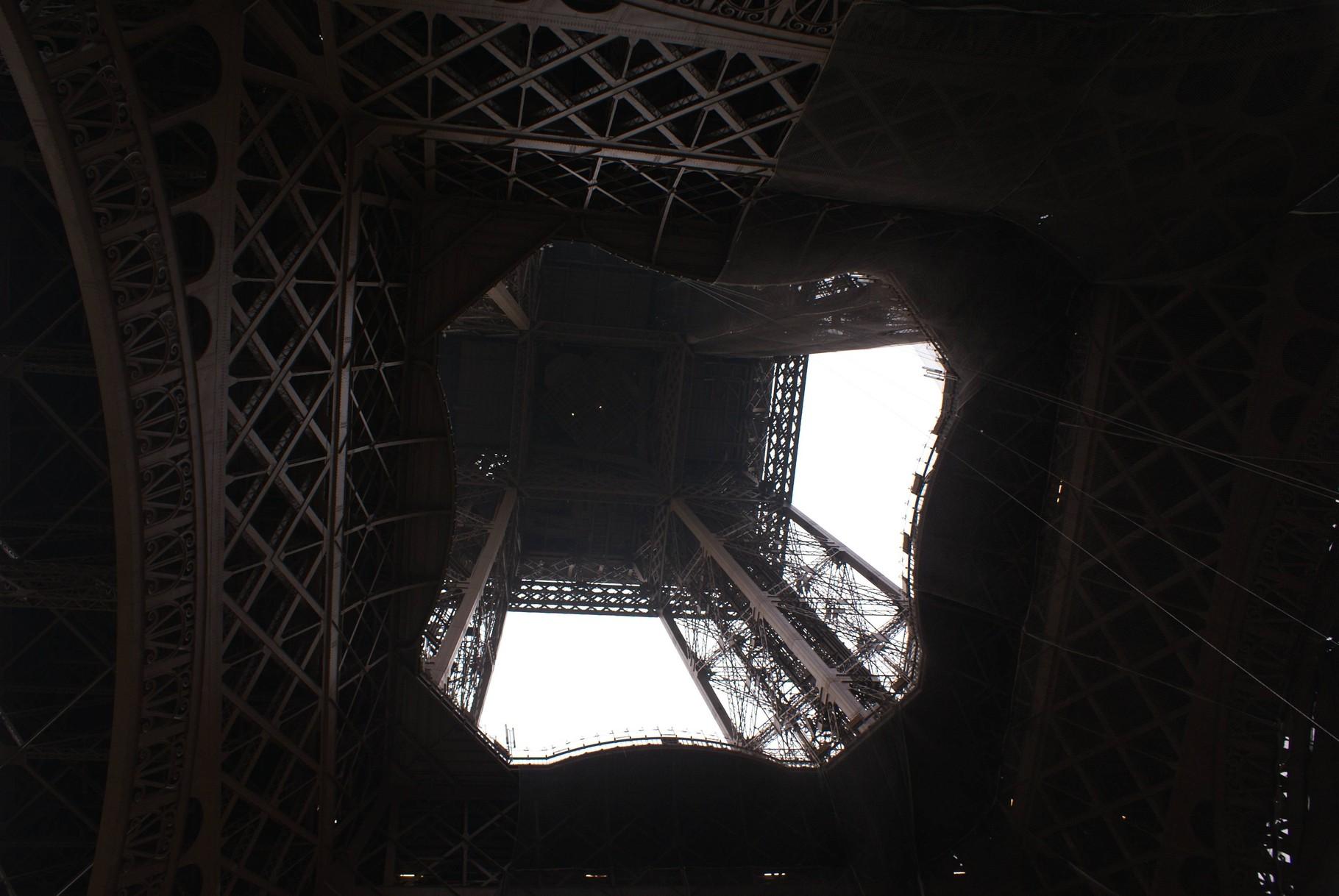 Paris - Eiffelturm von unten