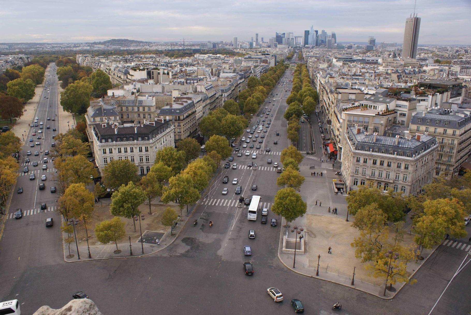 Paris - Blick vom Arc de Triomphe Richtung Grande Arche