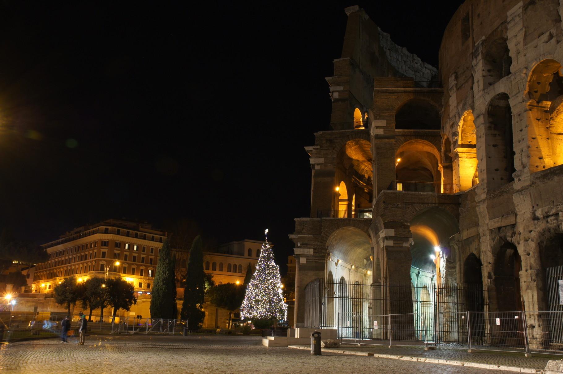 Weihnachtliche Stimmung am Kolloseum, Rom