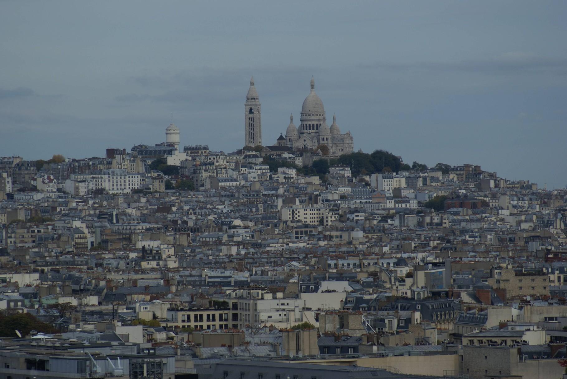 Paris - Blick vom Arc de Triomphe auf den Montmartre