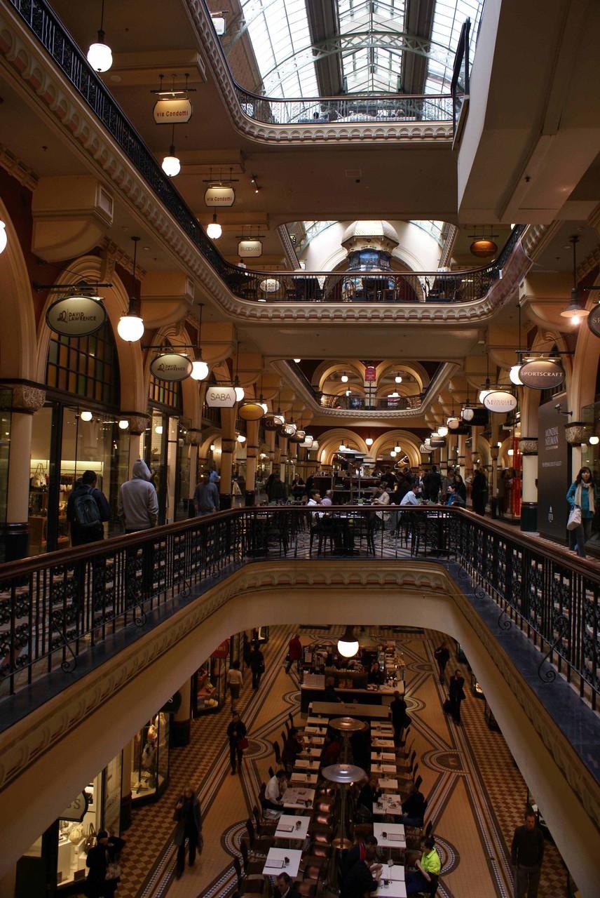 Sydney, im Inneren des QVB (Queen Victoria Building) - super renoviert!