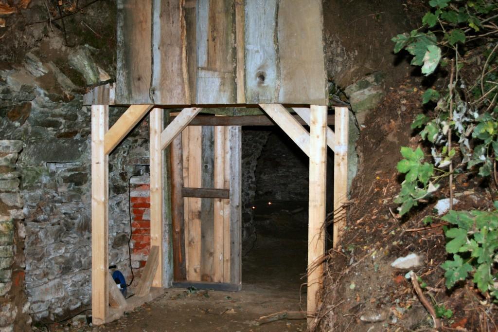 Der Kellereingang im September 2008