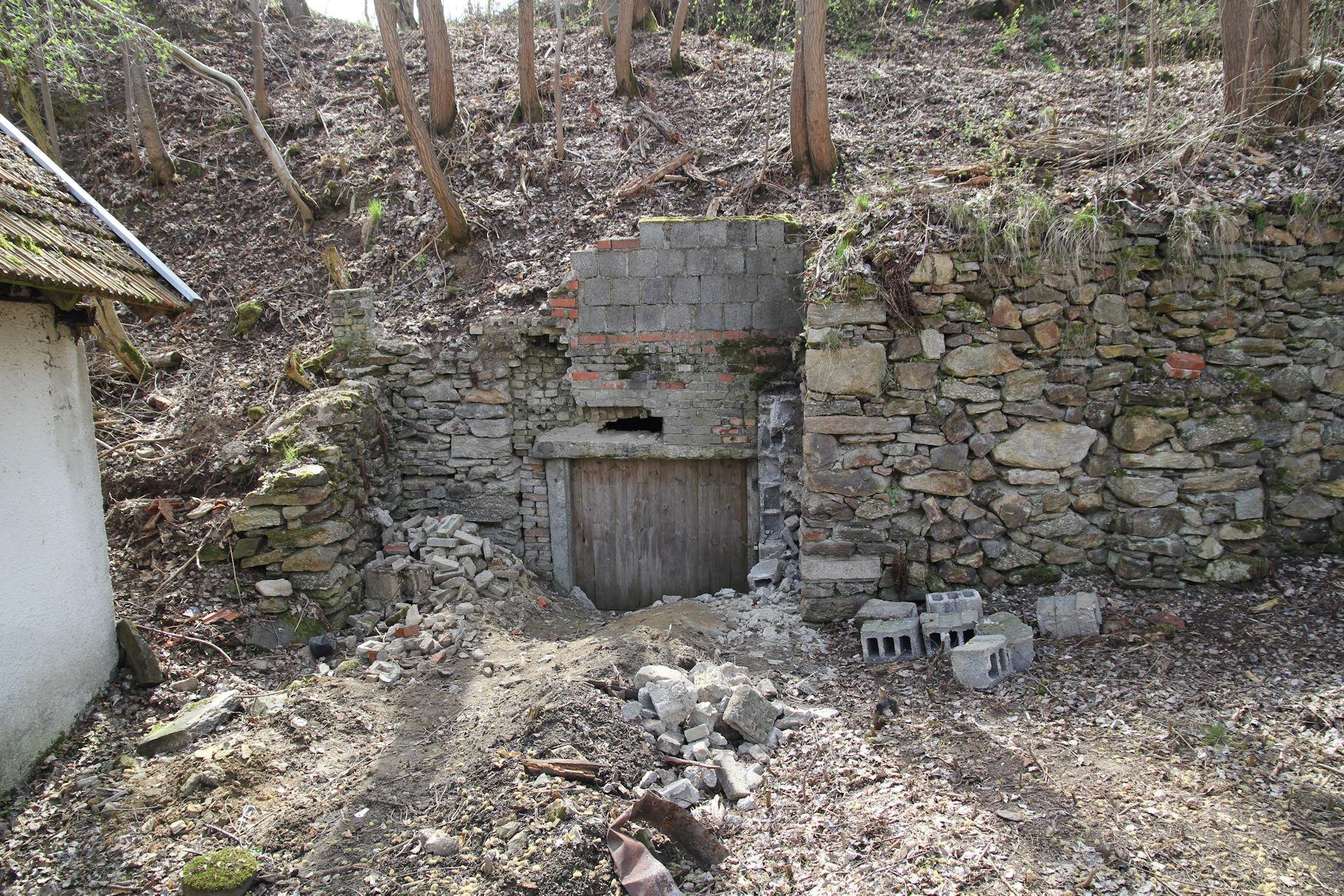Kellereingang vor der Sanierung