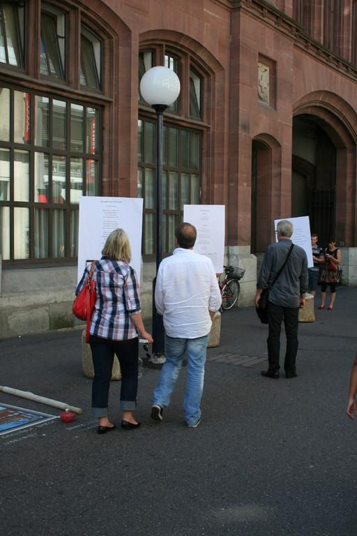 Gedichtplakate in der Freien Strasse.