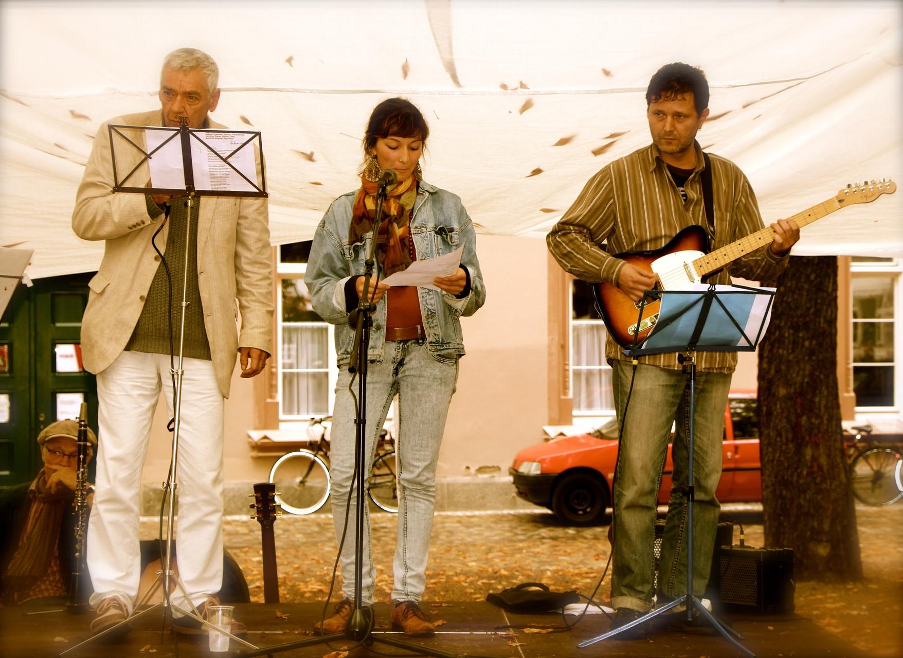 """Roger, Alisha & Stephan spielen und singen """"Sommerabend"""", """"Loreley"""", """"Verkehrte Welt"""" und """"Rhein"""""""