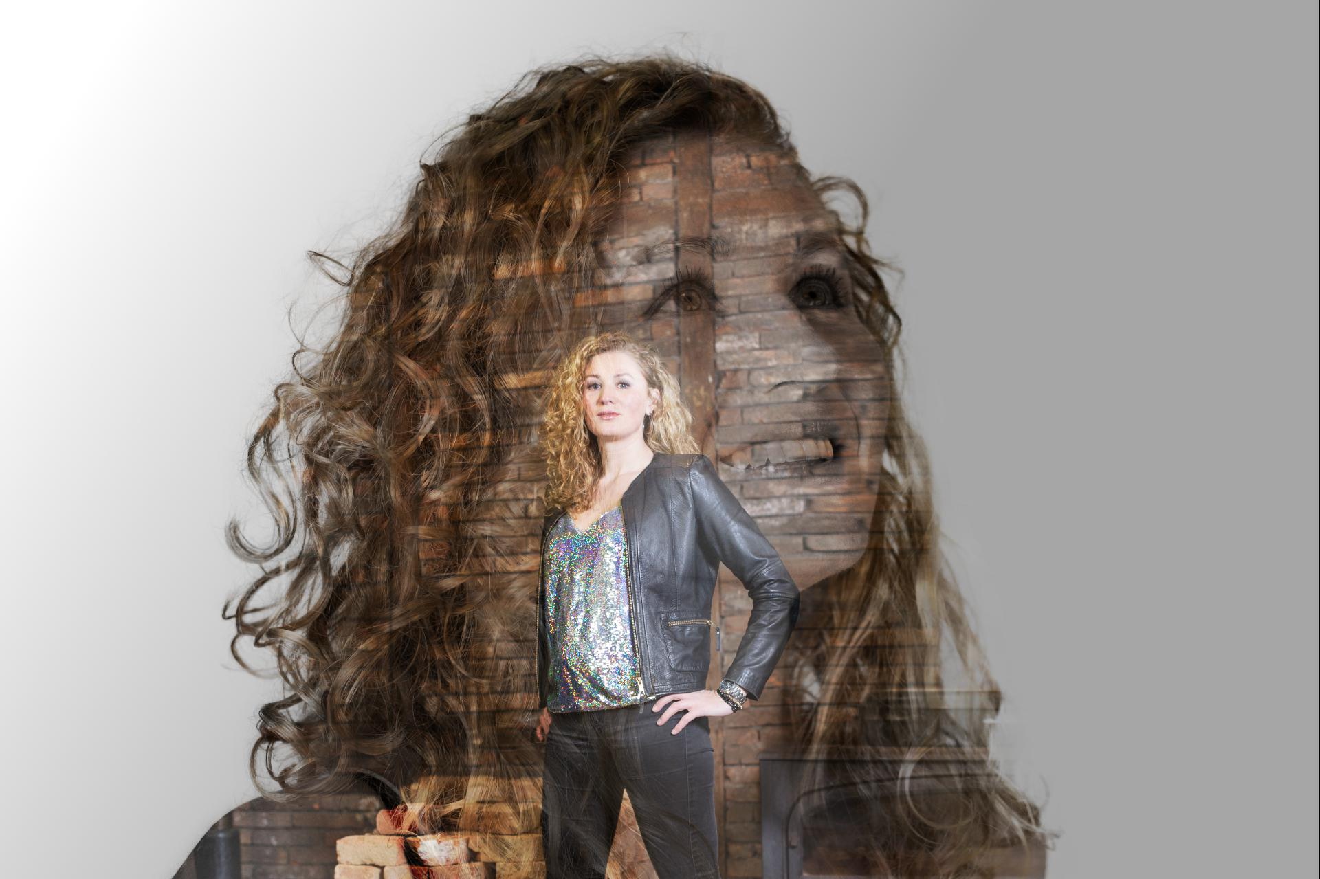 Andrea Roth - Vocals